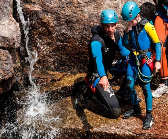 Saut dans le canyon du Haut-Tarn