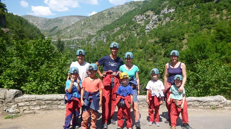 Groupe spéléo dans les gorges du Tarn