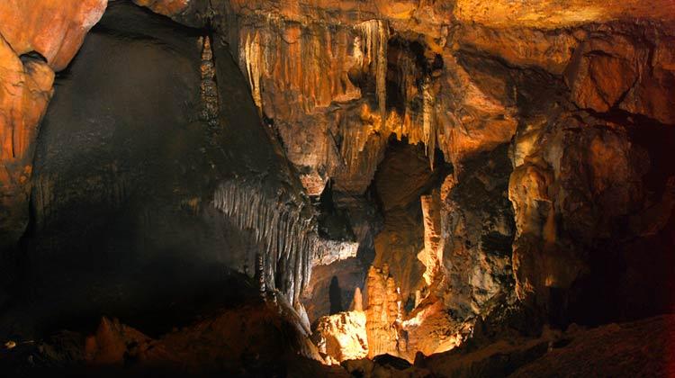 Grotte des Corneilles à côté de Florac