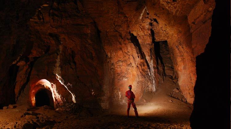 Spéléo à la grotte de la Duganelle