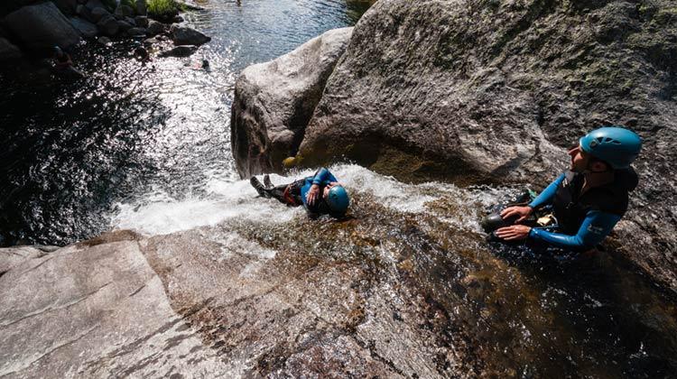 Toboggan dans le canyon du Haut-Tarn