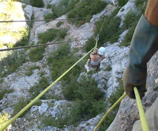 Tyrolienne du parcours de Montbrun